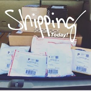 Shipping my sales today! 📬📦